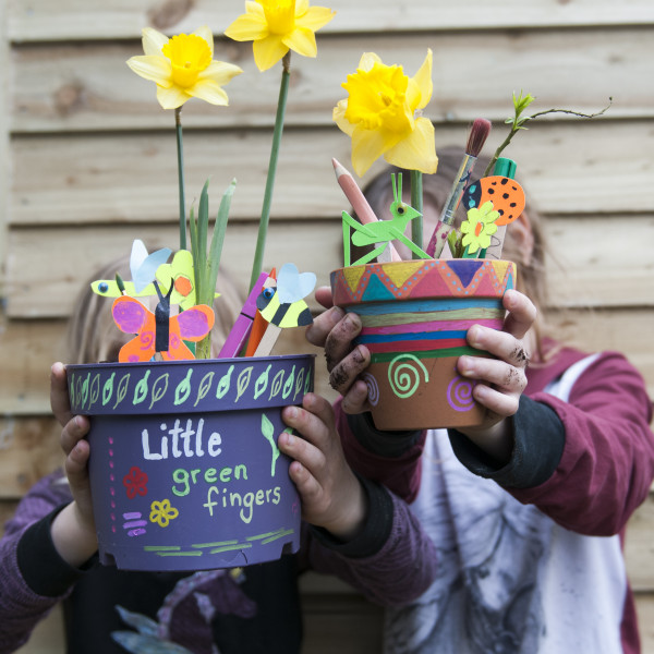 'Little Green Fingers' - online workshops for children and families. Growing, learning, creating NEW IN!
